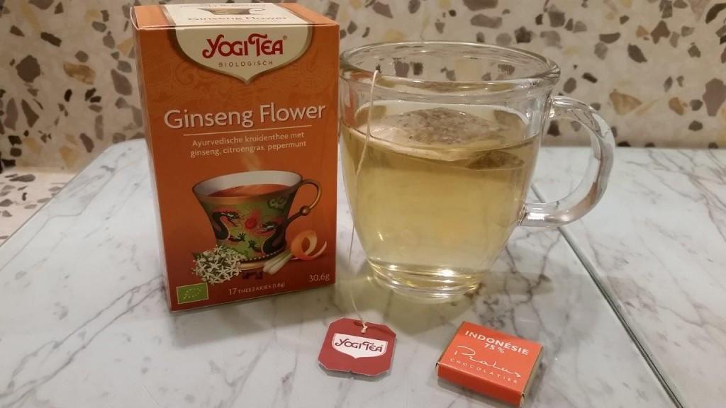 Dégustation de infusion ayurvédique aux plantes Ginseng Flower de YogiTea
