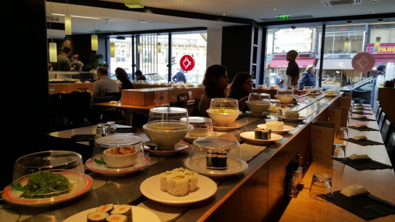 Matsuri passy un restaurant japonais comptoir tournant - Restaurant japonais tapis roulant paris ...