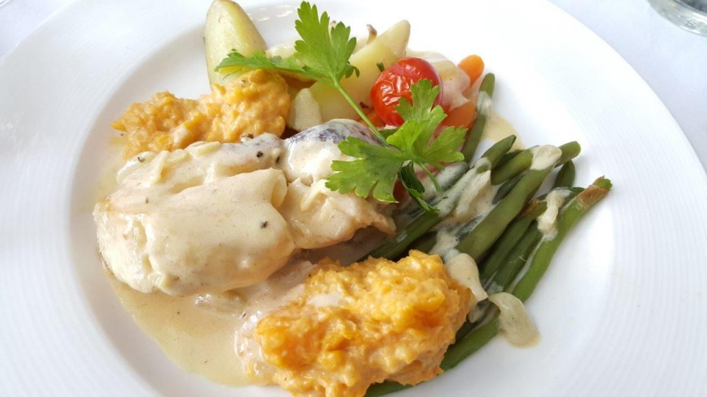 Le swann un restaurant bistronomique avec un soup on for Intuition gourmande paris
