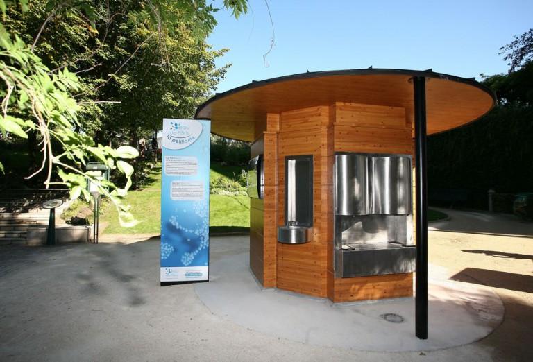 voici l 39 emplacement des 8 fontaines d eau p tillante. Black Bedroom Furniture Sets. Home Design Ideas