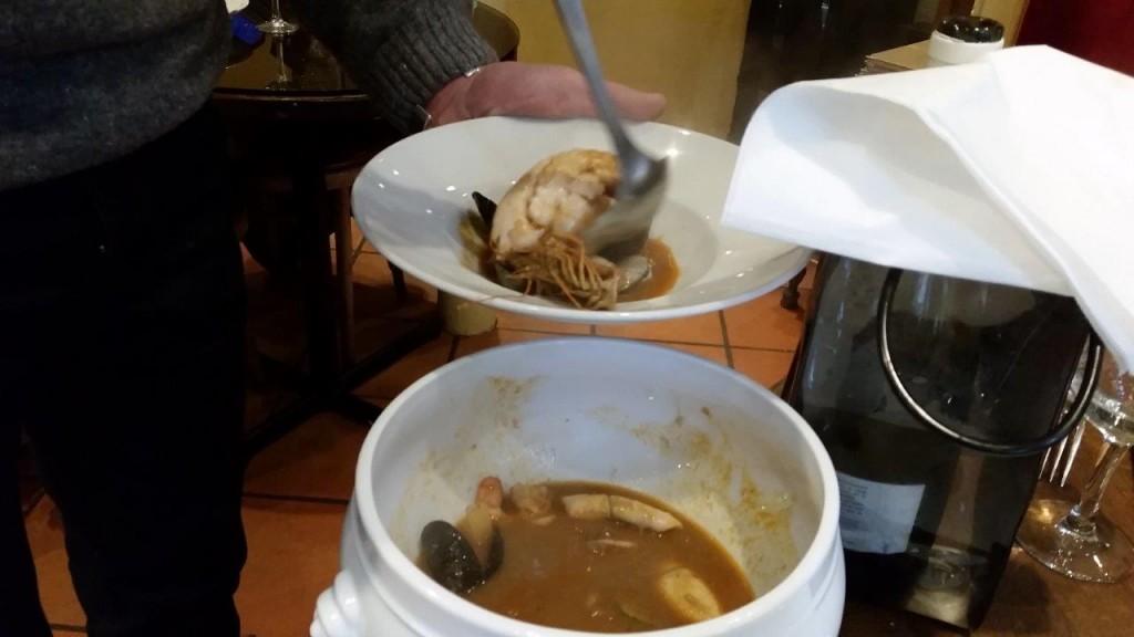 Bouille de lotte et coquillages safrané du pêcheur, en soupière