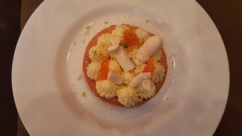 Sablé façon tarte au citron meringué craquante à la fleur d'oranger et kumquats confits, gelée de Limoncello