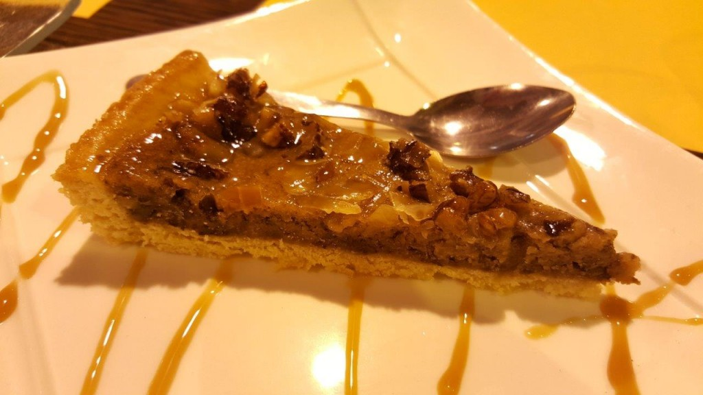 tarte aux noix et miel de tilleul clair