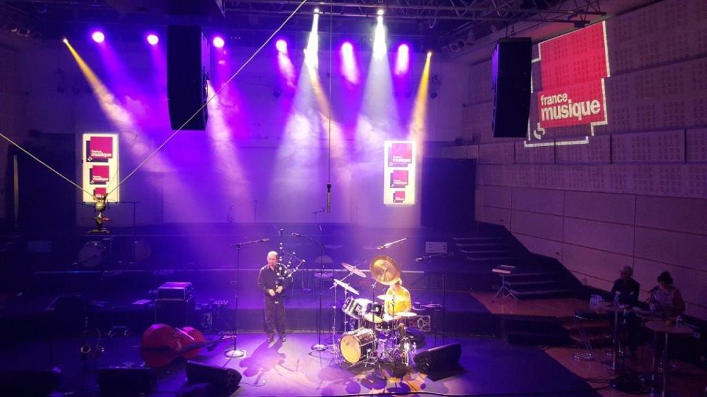- Simon Goubert (percussions) et Patrick Molard (cornemuse)