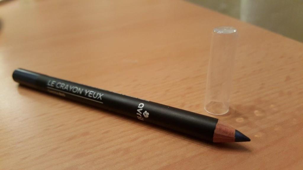 Test du crayon yeux Bio noir Avril