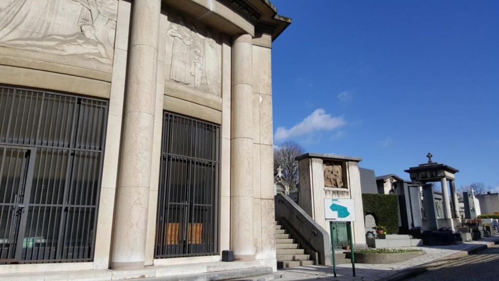Entrée du cimetière de Passy