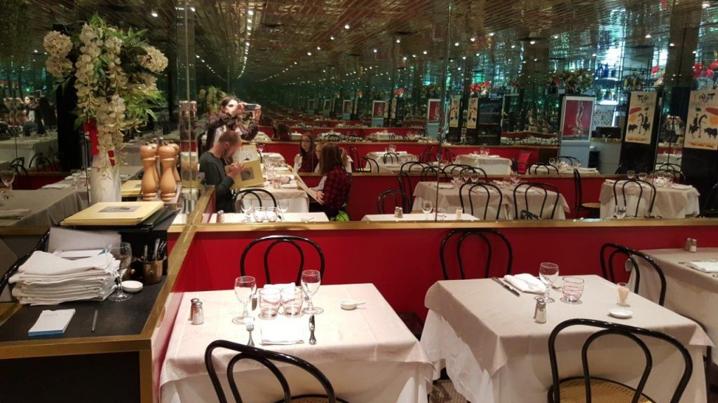 Salle du restaurant Rosimar