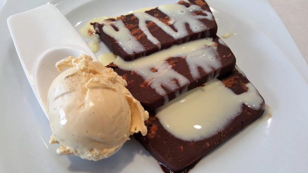 Marquise au chocolat et crème anglaise à la menthe