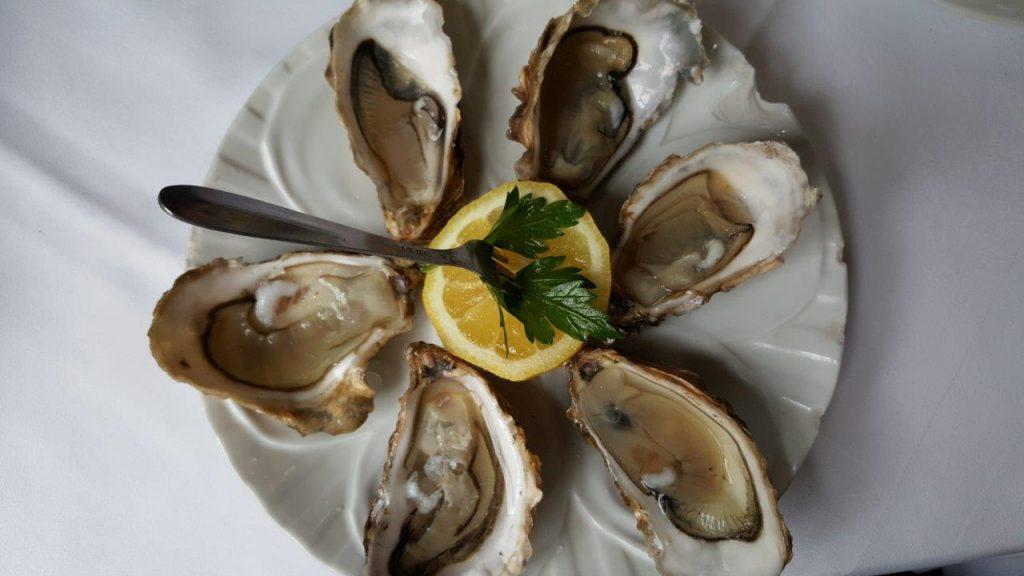 Les 6 huîtres fines de Claire et sa vinaigrette aux échalotes
