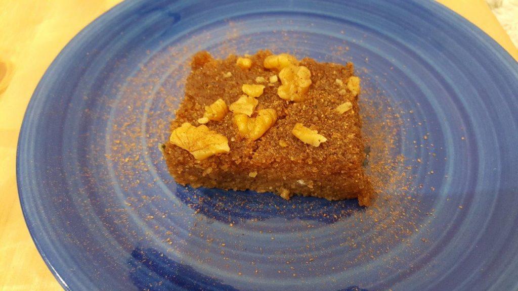 Halva : gâteau de semoule à la noix et à la cannelle