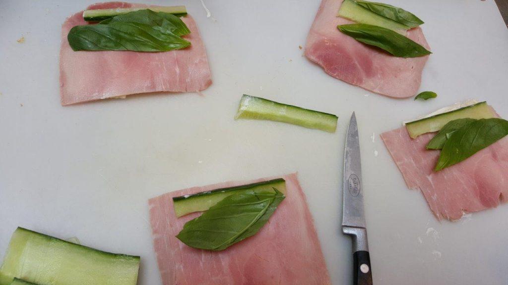 mini-roulé basilic fromage frais et jambon blanc