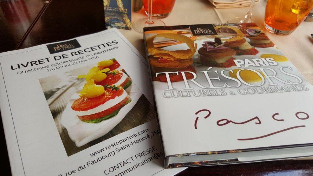"""beau livre """"Paris, Trésors Culturels & Gourmands"""""""