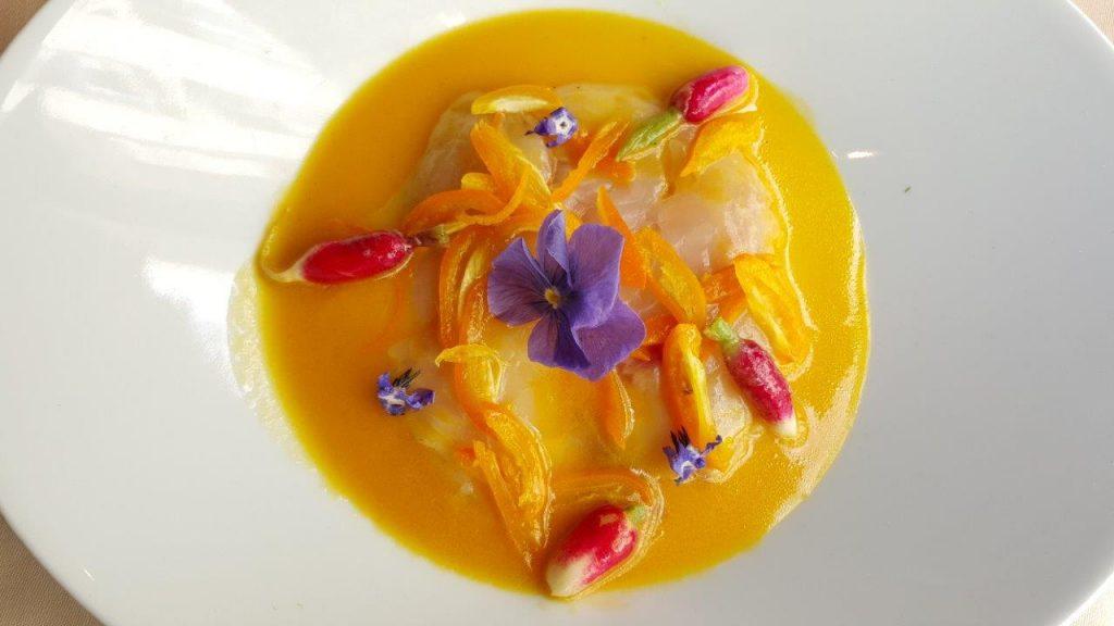 Ceviche de bar aux kumquats, vinaigrette aux fruits exotiques