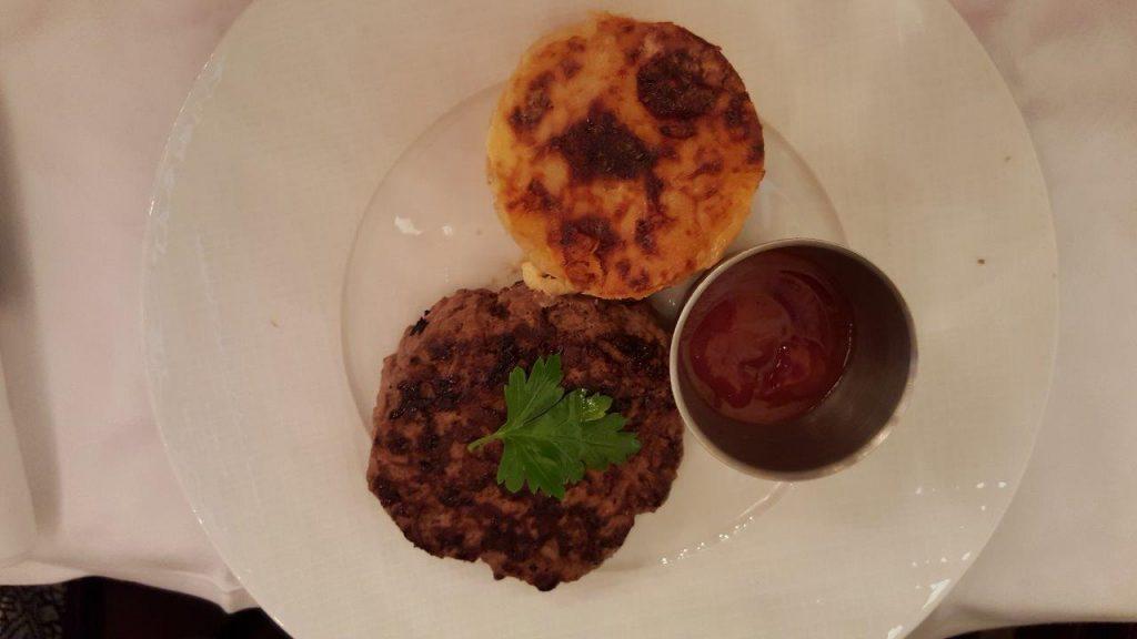 Steak haché avec gratin dauphinois