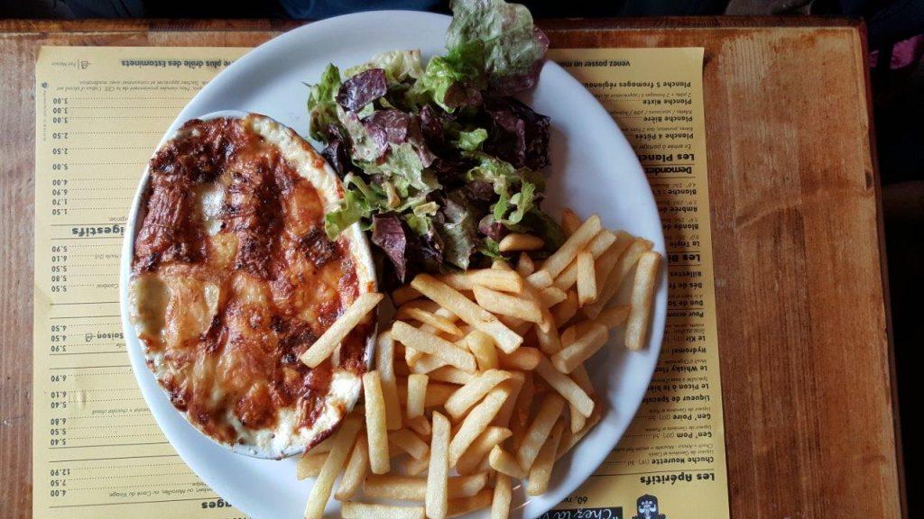 Welsh aux Maroilles : pain arrosé de bière, jambon, moutarde, Maroilles, gratiné au four