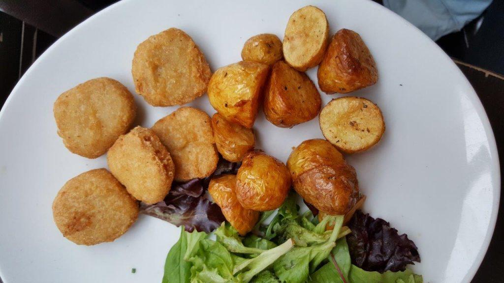 Poulets croustillants avec pommes grenailles