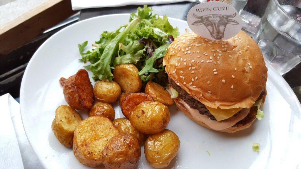 Mini cheese burger et pommes grenailles
