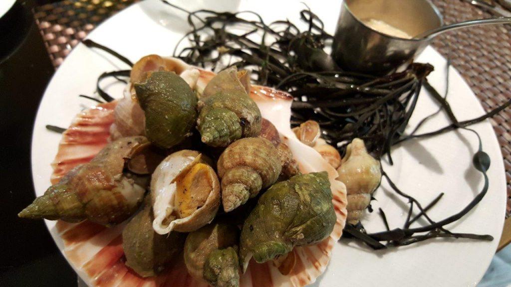 L'aïoli de bulots cuits maison au court bouillon légèrement épicé