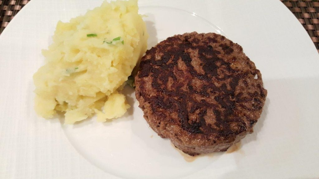 Steak haché et concassé de pommes de terre