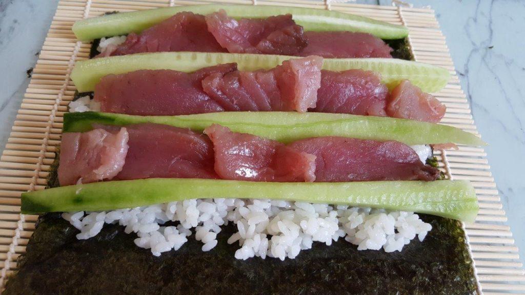 Maki au concombre et thon