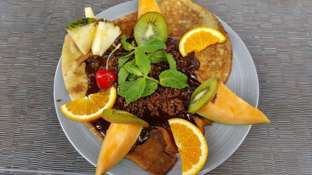 Crêpe Amandine (chocolat chaud maison et amande grillée)