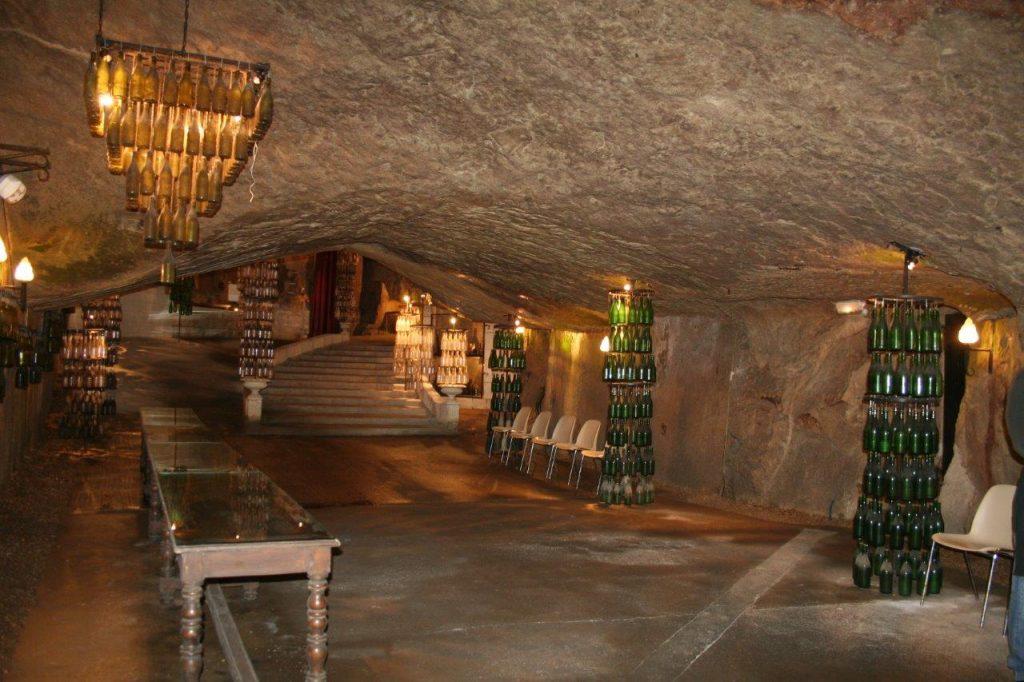 Dégustation de vins AOC Chinon aux caves Painctes de Chinon