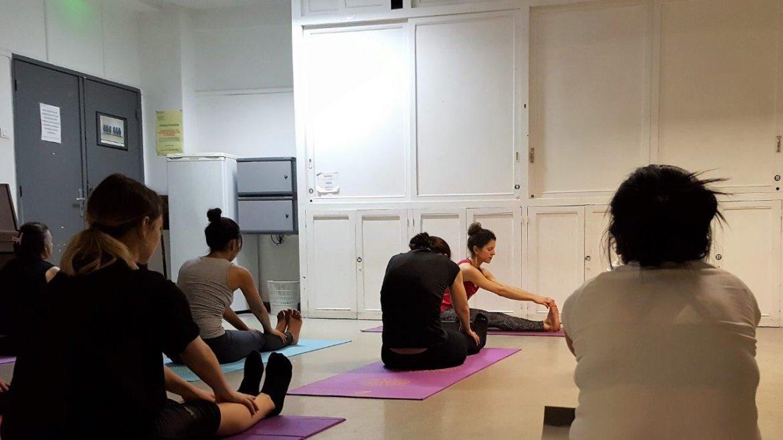 trouvez une s ance de yoga facilement c t de chez soi avec oly be carnets de week ends. Black Bedroom Furniture Sets. Home Design Ideas