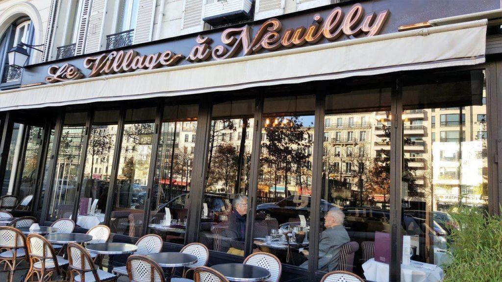 Le Village à Neuilly