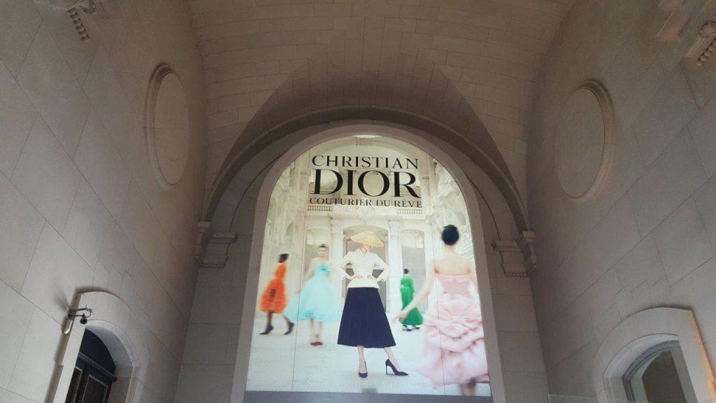 Exposition Dior Musee Des Arts Decoratifs Voyage